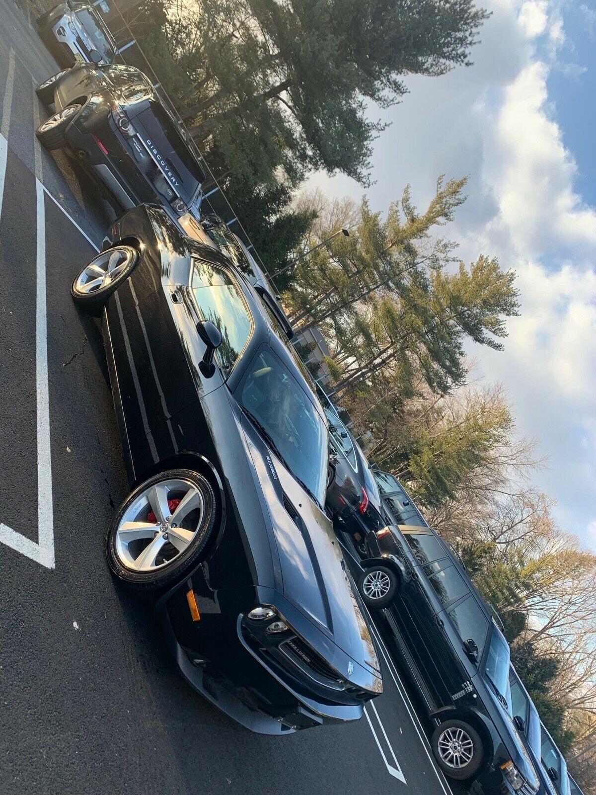 Dodge Challenger SRT8 cu 11 mile - Dodge Challenger SRT8 cu 11 mile