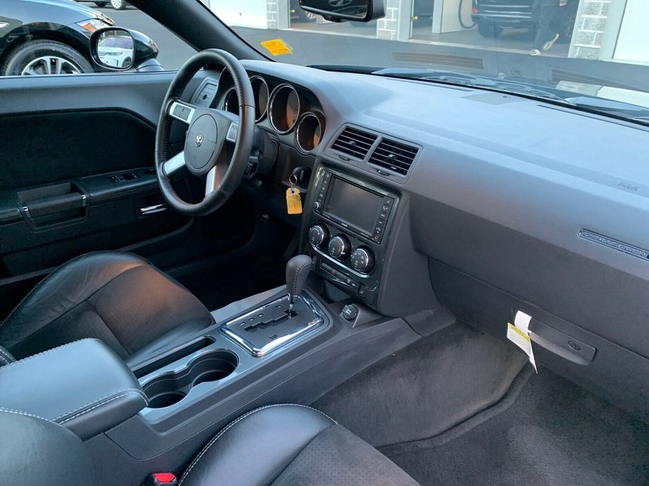 Dodge Challenger SRT8 cu 11 mile