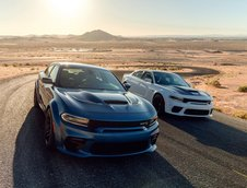 Dodge Charger SRT Hellcat Widebody si Charger Scat Pack
