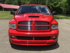 Dodge Ram SRT-10 cu 4000 de mile la bord