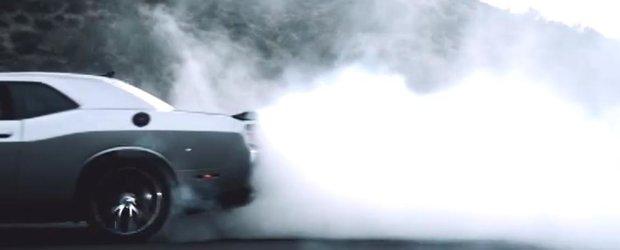 Dodge sarbatoreste 100 de ani cu fum si intelepciune