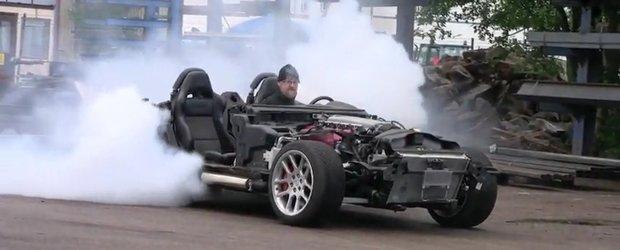 Dodge Viper pare masinaria perfecta pentru burnout. Chiar si fara-de-caroserie