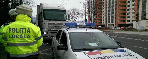 """Dorel s-a angajat la Politia Locala. Sofer sanctionat pentru ca si-a parcat """"Wolzvagin-ul"""" neregulamentar"""