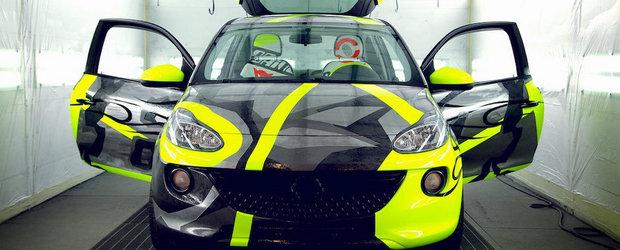 Doua editii speciale Opel Adam pentru oamenii cu probleme
