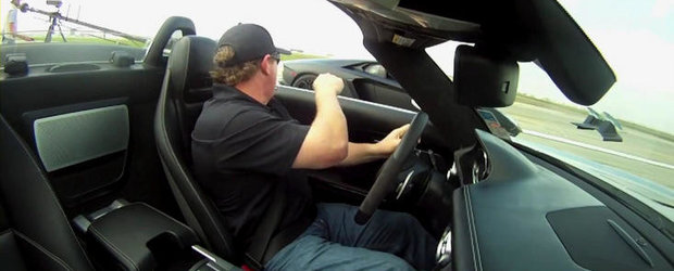 Drag Race: Lamborghini Aventador LP700-4 versus Mercedes SLS AMG Roadster