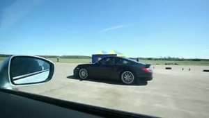 Drag Race: Porsche 911 Turbo vs. Novidem Nissan GT-R