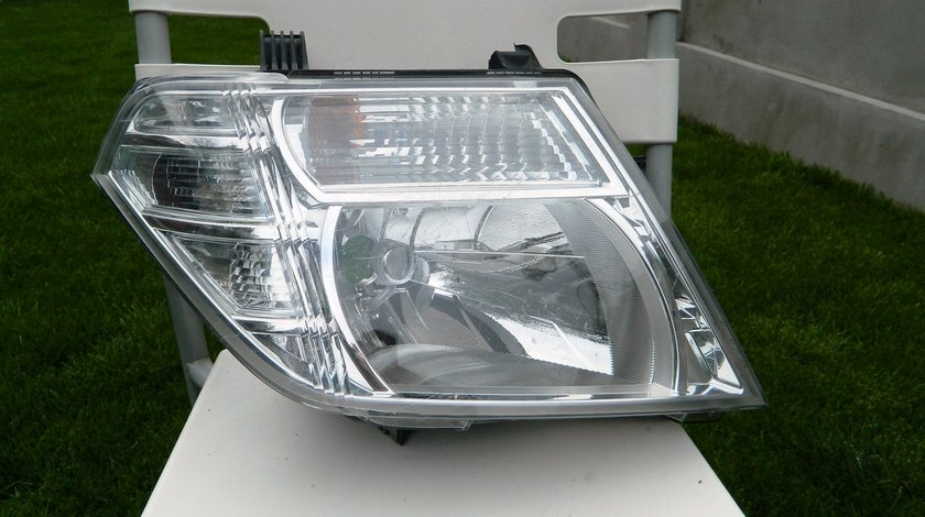 Dreapta Nissan Navara / Pathfinder Facelift cod 260105X10B