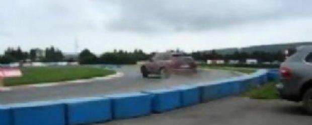 Drifturi cu Porsche Cayenne GTS