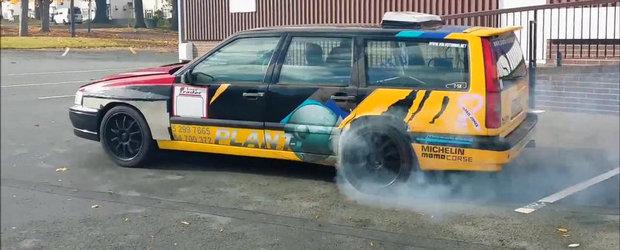 Dublu la distractie: Volvo-ul cu 2 motoare, 2 turbine si 2 compresoare