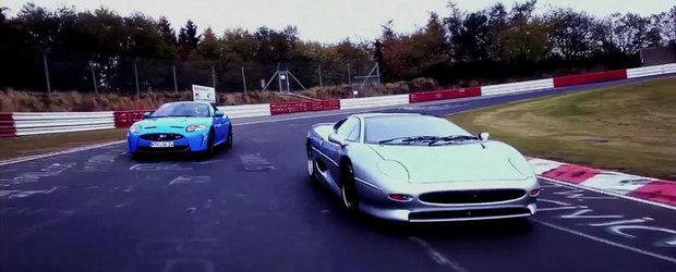Duel la Nurburgring: Jaguar XJ220 versus Jaguar XKR-S