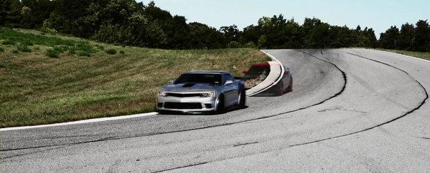 Duel pe circuit: Chevrolet Camaro Z/28 versus Ford Mustang Boss 302