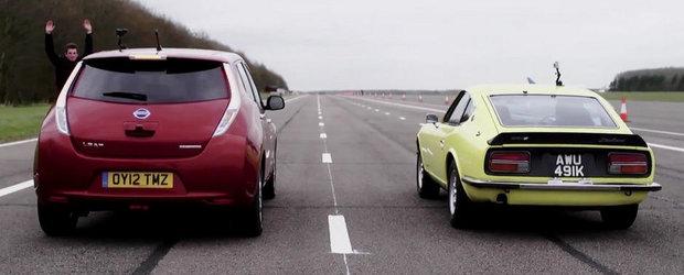 Duelul generatiilor: Nissan Leaf versus Datsun 240Z