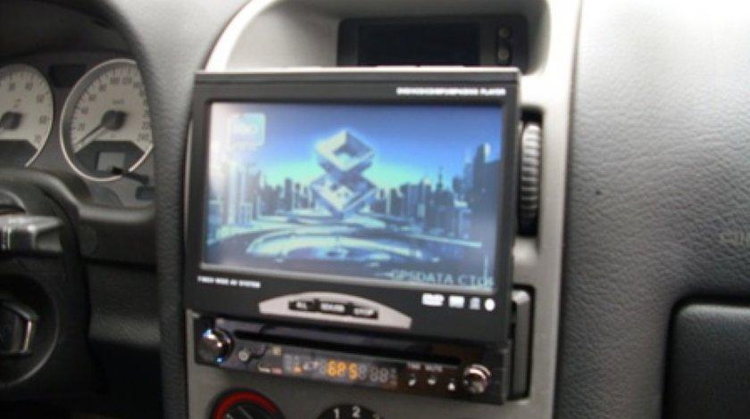 DVD RETRACTABIL CU GPS 7 DIVX TV TUNER USB SD IGO 3D FULL