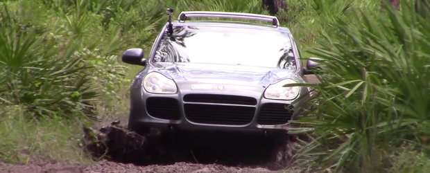 E una dintre cele mai performante masini de pe sosea, insa nici in afara acesteia nu dezamageste.