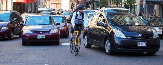 Editorial: cat de corect circula biciclistii?