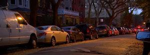 El e vecinul de care toata lumea fuge: a parcat 38 de masini pe strada pe care locuieste