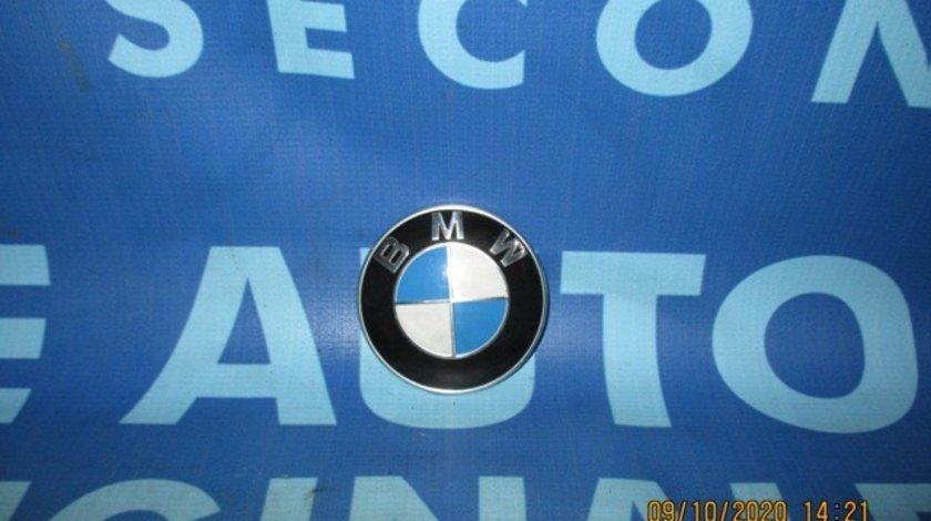 Emblema BMW E61 2006; 8132375 (spate)