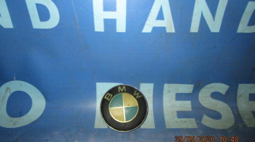 Emblema BMW E65; 8132375 (fata)