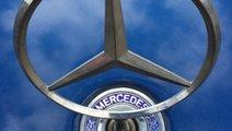 Emblema capota mercedes w203 w211 an 2003