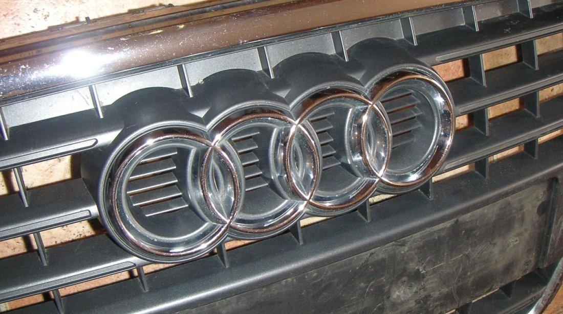 Emblema grila radiator Audi A4 B8 An 2009-2012