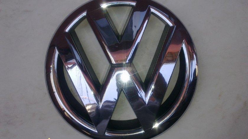 Emblema grila vw jetta 2011