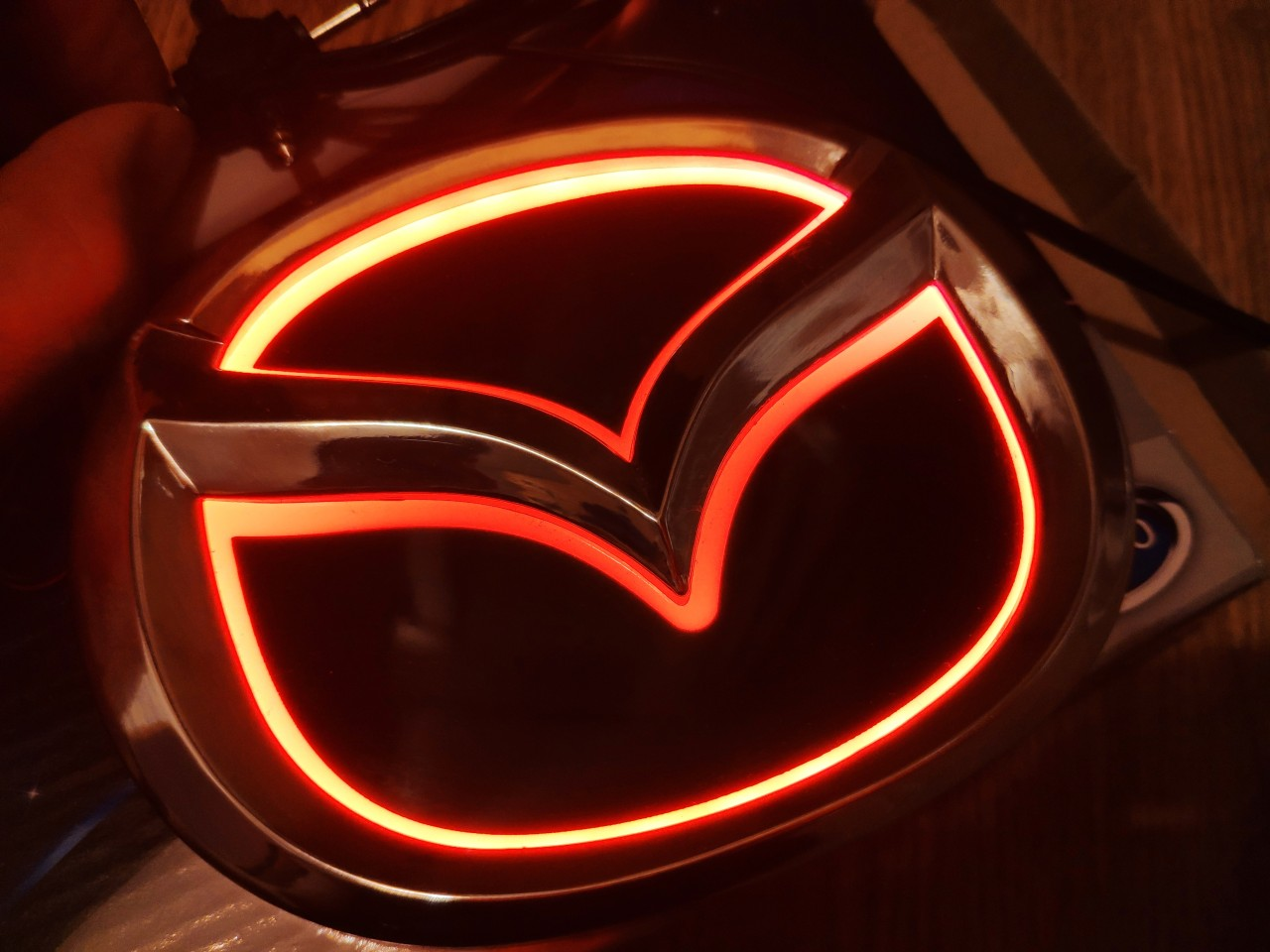 Emblema iluminata led Mazda