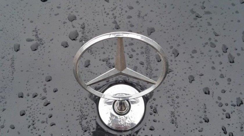 Emblema Mercedes E class w211 Facelift