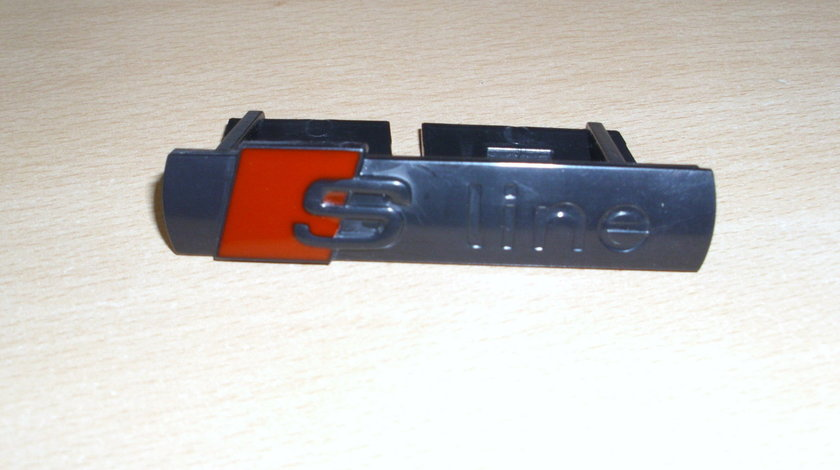 Emblema S-line negru pe grila 7X1.5cm