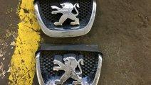 Emblema , sigla bara fata Peugeot 308