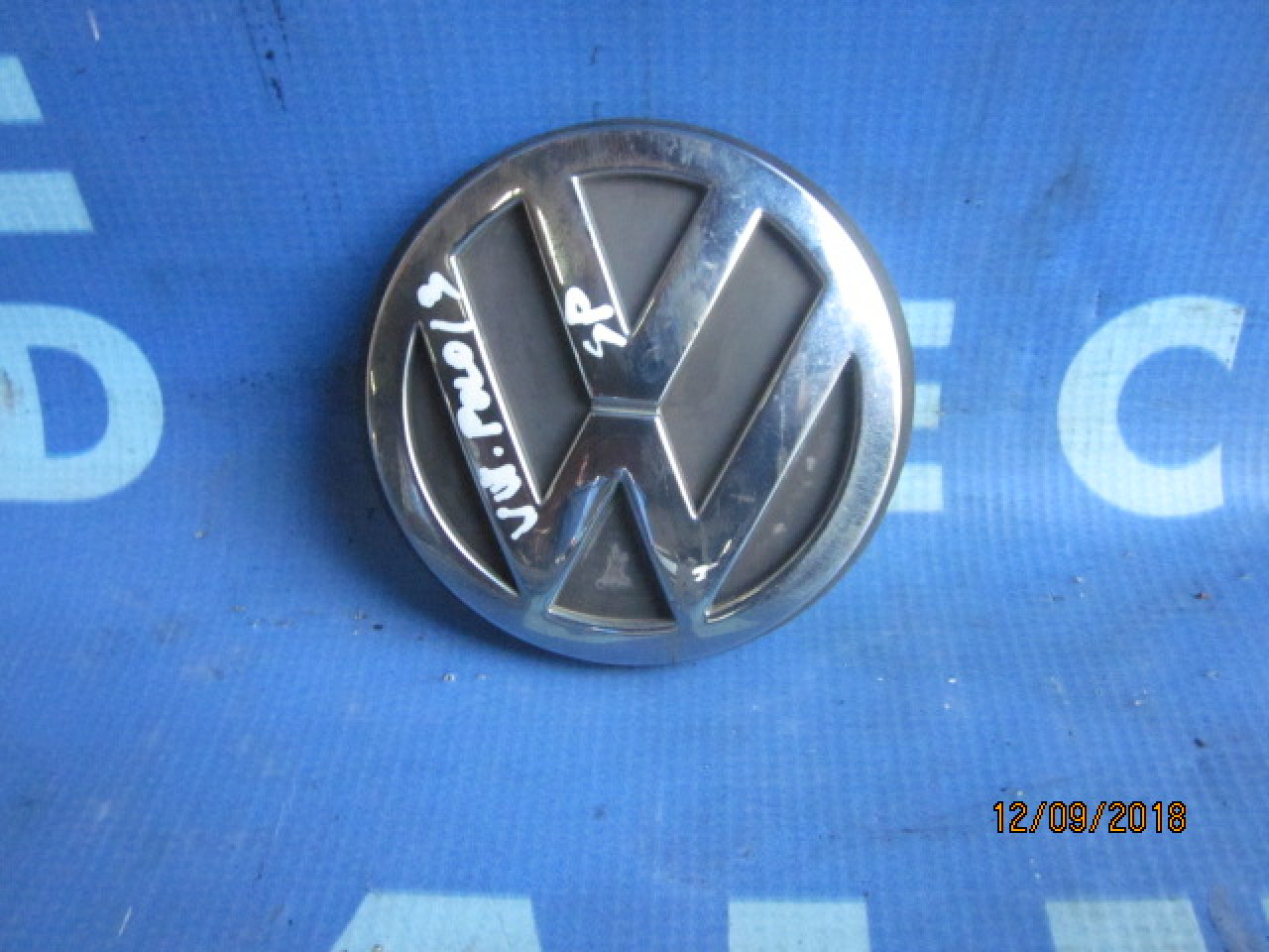 Emblema VW Polo ; 1J6853630A (spate)