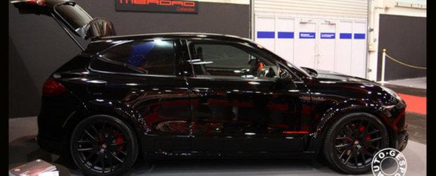 Essen Motor Show 2010 - Porsche. Cayenne. Coupe.