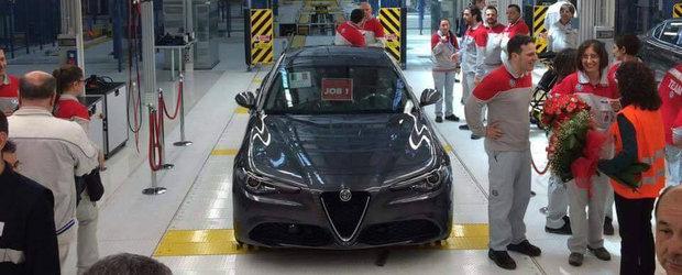 Este cel mai asteptat model al anului 2016, iar primul sau exemplar tocmai a iesit de pe linia de productie