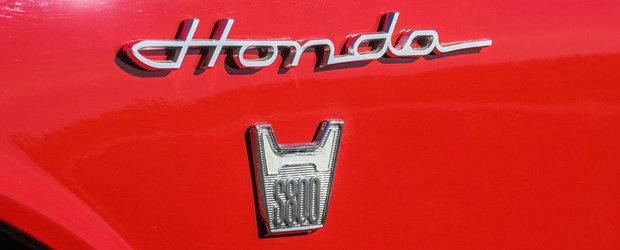 Este din '67 si a fost restaurata complet. Sportiva japoneza are motor care se tureaza in 10.000 rpm