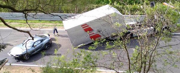 Este primul accident serios cu noua TOYOTA SUPRA. A facut-o praf pe circuitul de la Nurburgring