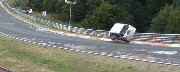 Este salvarea anului pe Nurburgring. Cel de la volan a evitat un accident in ultima secunda
