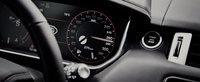 Este unul dintre cele mai rapide SUV-uri ale planetei. Cu acceleratia noului Range Rover Sport SVR... la podea