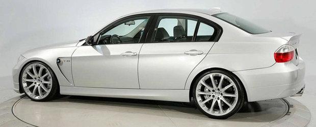 Este unul dintre cele mai rare BMW-uri tunate din istorie. De afara arata ca un Seria 3 obisnuit, insa cand ridici capota...