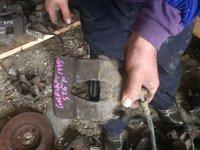Etrier vw golf 1.6 benzina, 70kw/101cp, 1999, cod motor akl