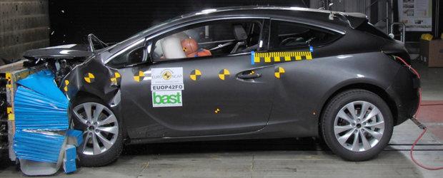 EuroNCAP: Cinci stele pentru Opel Astra GTC si Zafira Tourer