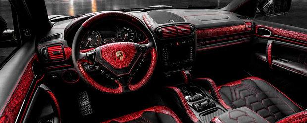 Extravaganta sau prost gust? Porsche Cayenne cu piele rosie de... crocodil