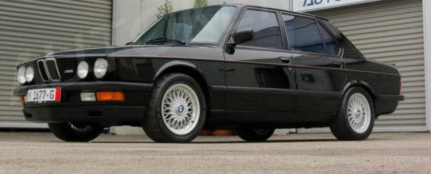 Fan BMW M5 E28? IATA cat mai costa zilele acestea un exemplar