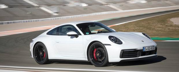 Fanii au cerut, Porsche a ascultat. Noua generatie 911 disponibila si cu transmisie manuala