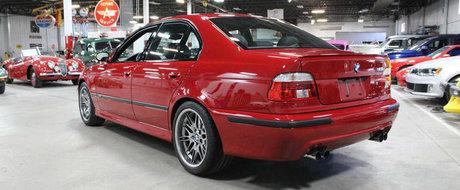 Fanii BMW s-ar bate pe el, dar ii sperie pretul. Sedanul cu motor V8 si transmisie manuala este impecabil