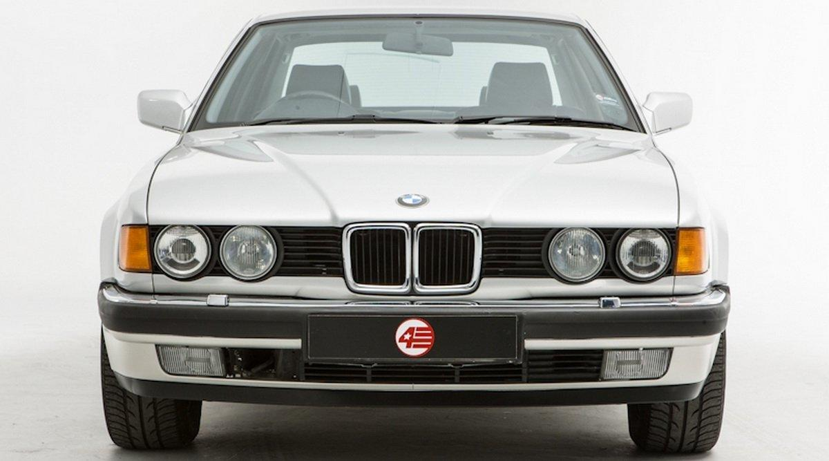 Fanii BMW vor plange la vederea acestor poze. Cum s-a schimbat in timp grila limuzinei Seria 7 - Fanii BMW vor plange la vederea acestor poze. Cum s-a schimbat in timp grila limuzinei Seria 7