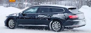 Fanii Volkswagen o vor lua razna la vederea lor. Imaginile care confirma lansarea primului Arteon Shooting Brake din istorie