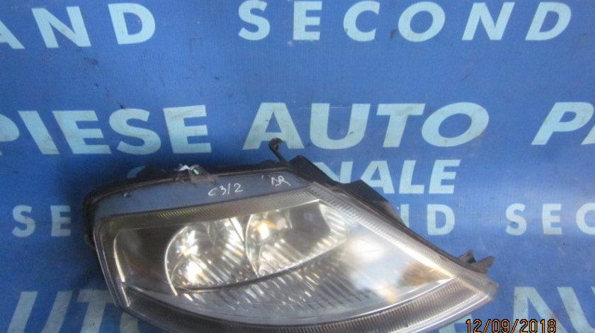 Far Citroen C3 ; 968157380 (2 urechi rupte, carcasa sparta)