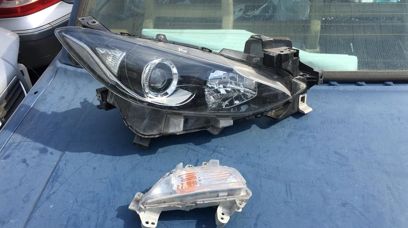 Far dreapta cu lupa , semnal dreapta Mazda 3 2013 - 2016