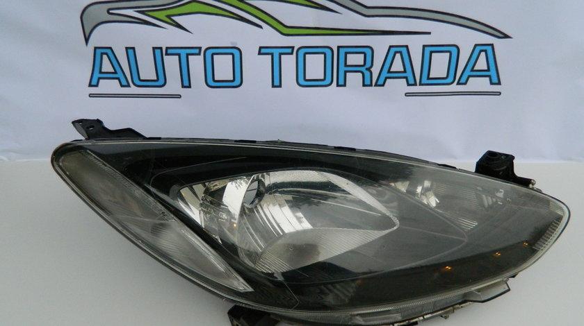 Far dreapta Mazda 2 Model 2008-2012