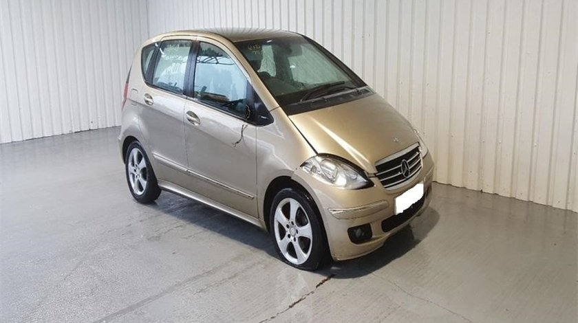 Far dreapta Mercedes A-CLASS W169 2008 Hatchback 180 CDi