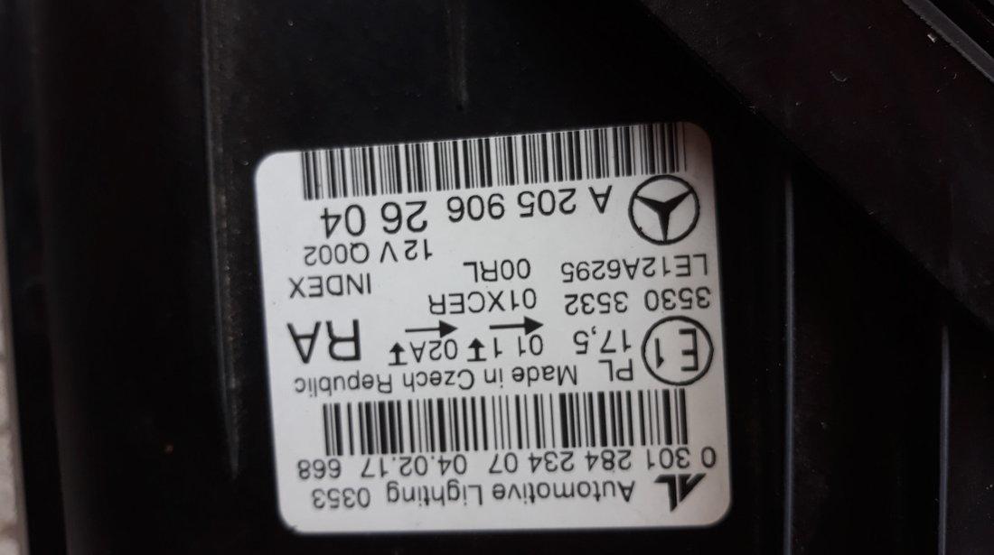 Far dreapta Mercedes  C-Class W205 Cod:2059062604